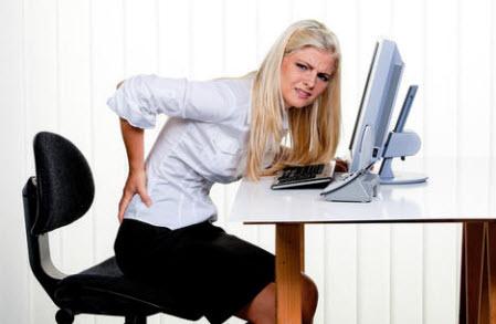 боль-в-спине-у-девушки-симптомы-радикулита
